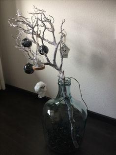 Kersttak, uiltje, zwarte kerstballen