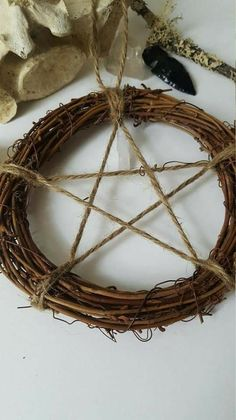🌟Tante S!fr@ loves this📌🌟Pentagram wreath protection home Talisman Rustic Pagan Wiccan Decor, Wiccan Crafts, Talisman, Pentacle, Book Of Shadows, Witch, Crafty, Personality, Ornament