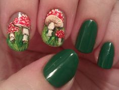 Look At Her Nails! The green polish is Lucky Duck by Orly. - Look At Her Nails! Funky Nails, Cute Nails, Pretty Nails, Minimalist Nails, Nail Swag, Hair And Nails, My Nails, Dream Nails, Looks Style