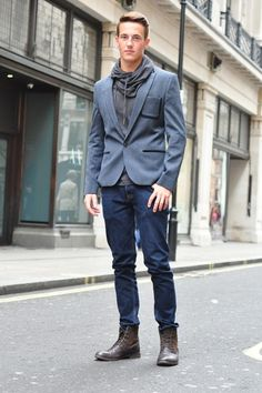 Street Style | London | Men's Fashion www.designerclothingfans.com