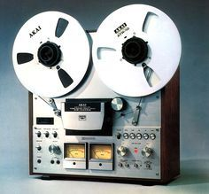 AKAI reel-to-reel Vintage Audio Audiophile HiFi (fb) Radios, Retro, Magnetic Tape, Audio Room, Tape Recorder, Hifi Audio, Audio Equipment, Audio System, Audiophile