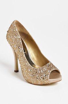 Benjamin Adams y sus zapatos para las novias más elegantes