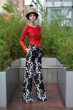 Douglas Hannant. Resort 14. El pantalón lo tengo me falta una linda blusa roja!!!! A coser!!!!