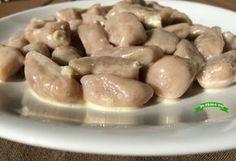 Avete mai provato gli gnocchi di castagne al gorgonzola? Sono buonissimi, a metà fra il dolce ed il salato, si sciolgono in bocca ;)
