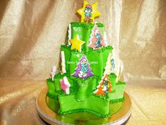 Torta albero di Natale...con Puffi! - Christmas tree cake...with Smurfs!  by Fancy Food and Cakes