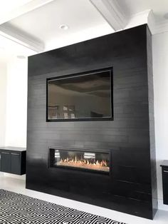 Fireplace Feature Wall, Fireplace Tv Wall, Fireplace Remodel, Living Room With Fireplace, Fireplace Surrounds, Home Living Room, Living Room Designs, Fireplace Modern, Glass Tile Fireplace