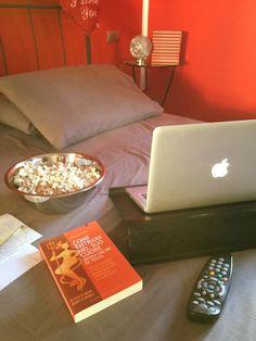 #libro #leggere #lettura  http://www.edizionilpuntodincontro.it/6112-come-entrare-nel-suo-cuore-senza-uscire-di-testa-9788868201883.html?refid=10488