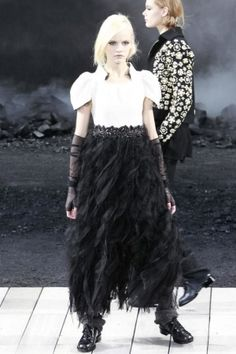 F/W 2011 CHANEL--- while everyone goes extremely glamorous, CHANEL goes to very R-T-W. and I like the way it is.