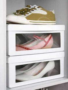 Des boites transparentes pour ranger les chaussures