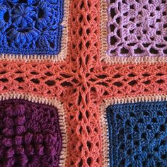 Hello again! Today I have another option for joining your Vibrant Vintage CAL squares. It's actually two options, because I have a Junior version and a Mini version of the Celtic Lace Join fo…