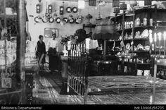 ERICH BART. Interior de la Ferretería Alemana de Borne Y Barth, Cali 1927. SANTIAGO DE CALI: Biblioteca Departamental Jorge Garces Borrero, 1927. 13 X 8.