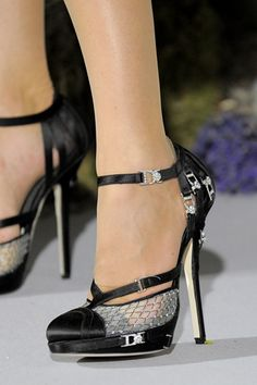Celebrities who wear, use, or own Christian Dior Couture Fall 2009 Sandals. Also discover the movies, TV shows, and events associated with Christian Dior Couture Fall 2009 Sandals. Christian Dior Couture, Christian Louboutin, Stilettos, Couture Shoes, Dior Haute Couture, Couture Fashion, Zapatos Shoes, Shoes Heels, Dior Shoes