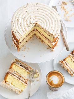 Gâteau croquant aux amandes,  au chocolat et au café