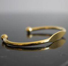 Armband messingfarben - aus Messing gefertigt und dann mit einer dünnen rosegoldschicht, Silberschicht oder schwarzen Metallschicht überzogen - Produziert im Libanon #jewelry #bracelet