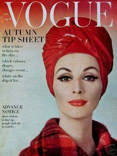 23 covers Vogue UK February by Henry Clarke. Vogue US January by Karen Radkai. Vogue US February 1 by Karen Radkai. Vogue US August 15 by Gene Laurents. Fashion 60s, Fashion Cover, High End Fashion, Vintage Fashion, Fashion History, Street Fashion, Fashion Trends, Turbans, Headscarves