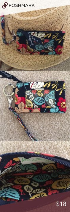VERA BRADLEY WRISTLET-ID HOLDER-COIN PURSE ALL IN ONE! 5x3 never used ‼️ Vera Bradley Accessories Key & Card Holders