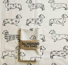 Screen printed 100% cotton tea towel. The perfect tea towel for all dachshund and food lovers. Wash 40 degrees max. Made in the UK  Thanks for popping by