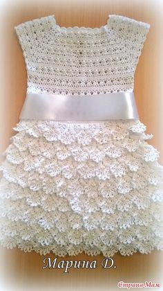 Всем добрый день!!! Покажу последние мои вязаные изделия за прошедший год. На этот раз это платья с воланами.