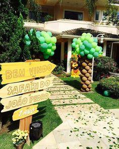 Safari Theme Birthday, Boys First Birthday Party Ideas, Safari Birthday Party, Boy Birthday Parties, Birthday Party Decorations, Zoo Party Themes, Jungle Theme Parties, Jungle Party, Festa Safari Baby