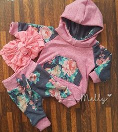 Handmade newborn going home outfit Floral hoodie and joggers Baby Girl Camo, Camo Baby Stuff, Baby Girl Shoes, Baby Outfits Newborn, Toddler Outfits, Kids Outfits, Kid Capri, Cute Babies, Baby Kids