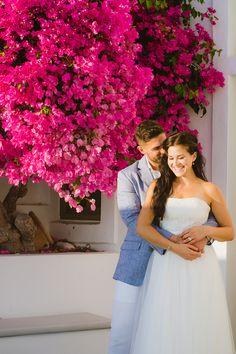 Santorini photo shoot. Anna Sulte #santorini #photosession #greece #destinationwedding #honeymoon #postwedding