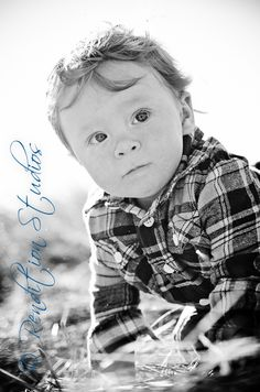 children's photography.  black and white, one year old boy.