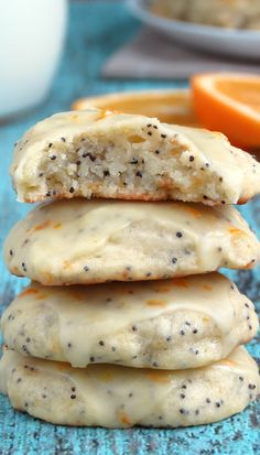 Try these soft and cakey vanilla and cardamom flavored orange poppy seed ricotta cookies with orange glaze! Köstliche Desserts, Delicious Desserts, Dessert Recipes, Yummy Food, Plated Desserts, Think Food, Love Food, Baking Recipes, Cookie Recipes