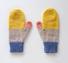 Mittens No. by Sarah McNeil on Etsy. Mittens Pattern, Knit Mittens, Knitted Gloves, Knitting Socks, Free Knitting, Baby Knitting, Knitting Patterns, Yarn Inspiration, Hand Warmers