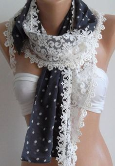 Beautiful scarf ... simply love it.