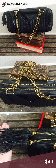 ZARA bag Beautiful gold chain bag with fringe tassel detail. In great condition Zara Bags
