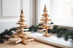 Rudolf: Weihnachtsbaum von Design.Wien   we love handmade Christmas Diy, Christmas Ornaments, Diys, Holiday Decor, Handmade, Design, Home Decor, White Lace, Christmas Eve
