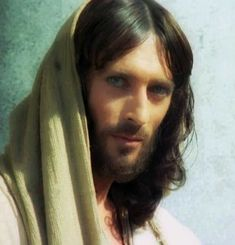 Robert Powell as Jesus Jesus Christ Painting, Jesus Art, Jesus E Maria, Sainte Therese, Pictures Of Jesus Christ, Lds Art, Christian Images, Biblical Art, Jesus Lives