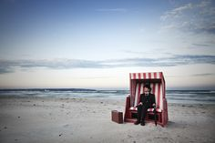 Ralph Graef - A Rest At The Beach