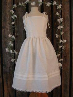 Tween girls white linen dress Flowergirl by englaCharlottaShop, €42.00