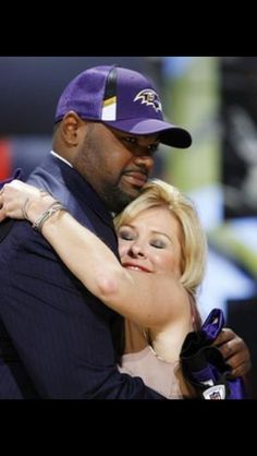 Blind side... Michael Oher & Leigh Anne Tuohy
