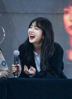 Feminist Movement, Solo Pics, Kim Yerim, Red Velvet Irene, Beautiful Asian Women, Seulgi, South Korean Girls, Asian Woman, Idol