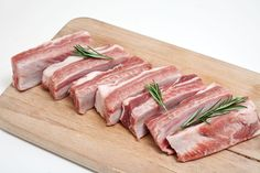 An in-depth overview of which cuts of pork are which, how to tell them apart, and how to cook them to best advantage. Meat Store, Meat Markets, International Recipes, Food Design, Ribs, Fresh, Dishes, Cooking, Products