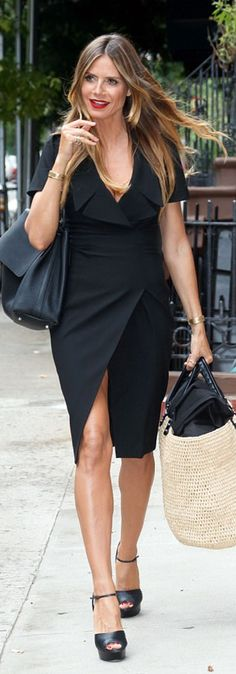 Who made  Heidi Klum's black dress, platform sandals, and tan straw handbag?