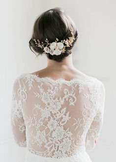 The Magnolia floral bridal headpiece makes a dramatic yet delicate statement, exuding the beauty of the botanicals in a refined and luxurious piece. Headpiece Wedding, Wedding Veils, Bridal Headpieces, Gold Wedding, Bridal Gowns, Wedding Day, Wedding Dresses, Wedding Garters, Wedding Anniversary