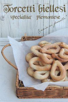 Cinzia ai fornelli: Torcetti piemontesi col Bimby Italian Recipes, Italian Foods, Biscotti, Sausage, Cookies, Meat, Cake, Blog, Biscuits