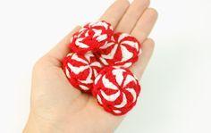Crochet Peppermint Candies ... free crochet pattern www.petalstopicots.com #crochet #Christmas