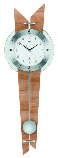 AMS 5251 Wandklok Radiogestuurd . De achterwand van deze zendergestuurde klok is beukenhout- en aluminiumstukken afgewerkt. De wijzerplaat is wit en het glas voor de wijzerplaat is gefacetteerd en de slinger is verchroomd. Door het signaal van de zender in Duitsland loopt het horloge op de seconde gelijk. U heeft 2 jaar garantie op het hoge kwaliteits uurwerk en de energie voor de klok komt uit een batterij. https://www.timefortrends.nl/wekkers-klokken/ams-klokken.html