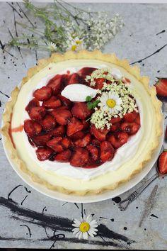 Strawberry and vanilla tart #strawberry #tart #mousse #vanilla