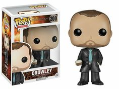 From the fan-favorite CW TV show, Supernatural comes this Crowley Pop! Fergus Rodric MacLeod was a human that became the demon Crowley, and eventually, the King of Hell. Crowley stands 3 tall in his black suit and light blue tie. Funko Pop Supernatural, Crowley Supernatural, Supernatural Merchandise, Supernatural Pop Figures, Castiel, Madrid Barcelona, Pop Vinyl Figures, Mark Sheppard, Pop Television