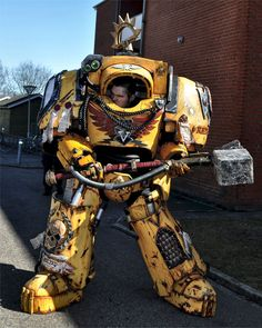 Warhammer 40,000 Imperial Fists Terminator Captain Tancred costume created by Daniel Høgh and Justina Šniukštaitė of Roses and Boltshells