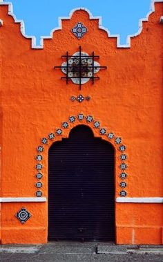 / color / blue and orange / puebla, mexico /