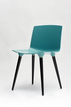 TAC Chair, sea & black by Icons of denmark