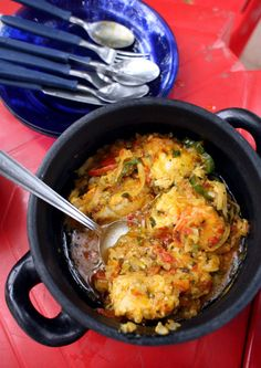 Moqueca (Brazilian Fish Stew) Recipe - ~ This hearty stew can be made with any firm-fleshed white fish, such as catfish or halibut. Fish Recipes, Seafood Recipes, Soup Recipes, Cooking Recipes, Healthy Recipes, Brazilian Fish Stew, Brazilian Dishes, Brazilian Recipes, Seafood Soup