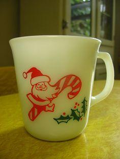 pyrex christmas mugs Vintage Christmas Christmas China, Christmas Dishes, Christmas Past, Retro Christmas, Vintage Holiday, All Things Christmas, Christmas Kitchen, Vintage Kitchenware, Vintage Dishes