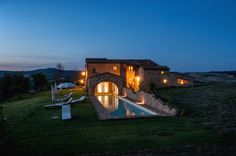 We all have an iconic image of Tuscany in our mind, made of green rolling hills, a view of cypresses from a distance, wheat fields dancing in the wind and a stone-built country home on top of a hill, basking in radiant sunlight. We do have all this and it can get a real part of your dream of living...